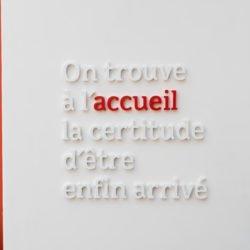 adagp_Enseigne Gambetta Paris-LETTRES RELIEFS