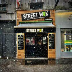 Caisson lumineux et lambrequin Street Wok - Enseingne Gambetta.